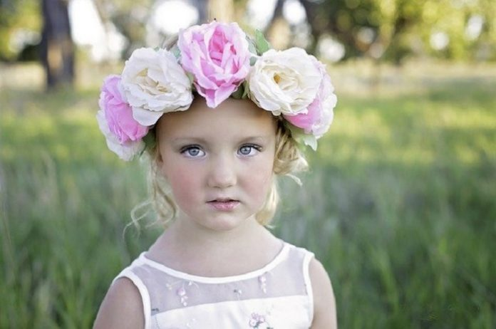 How to make baby flower headbands