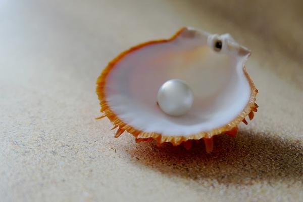 how are pearls formed